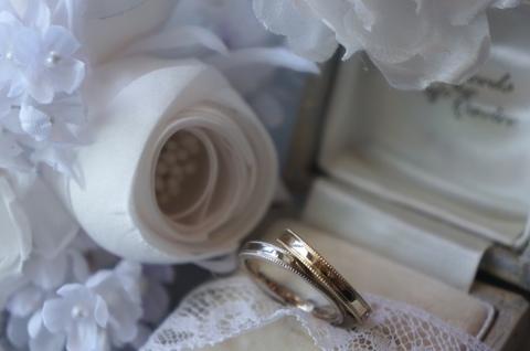 結婚指輪ミル側.JPG